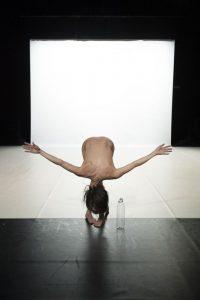 les-theatres-le-recital-des-postures-c-anne-laure-lechat-28canne-laure-lechatjpg