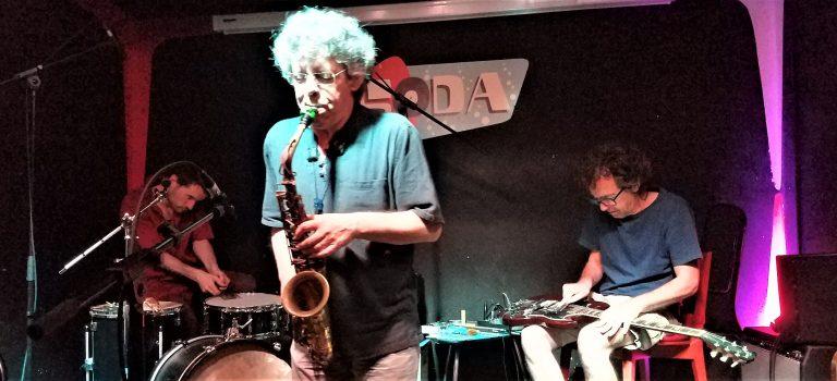 Nuno Rebelo, Agustí Martínez, Joni Sigil, at Soda Acústic, Barcelona, 10-7-2019.