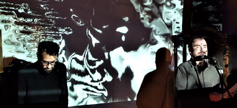 Rubén Martín + Primo Gabbiano, música & Visual Pal, video, en LaBerint 22, Barcelona, 27-1-2018