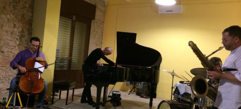 Freenetics + Josep Maria Balanya at Studium, Badalona (2-10-2015)